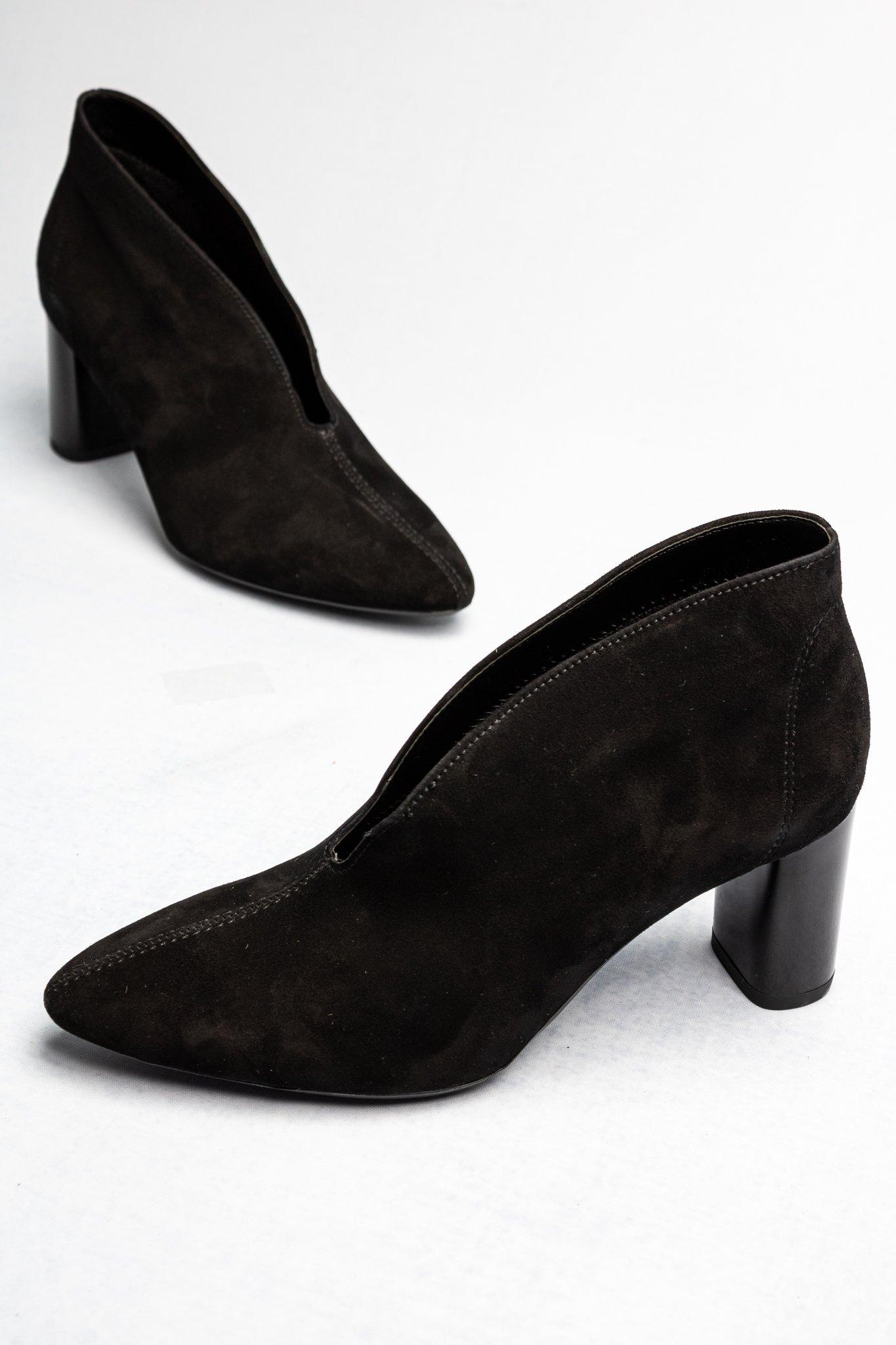 Ara Suede V-Cut Heel