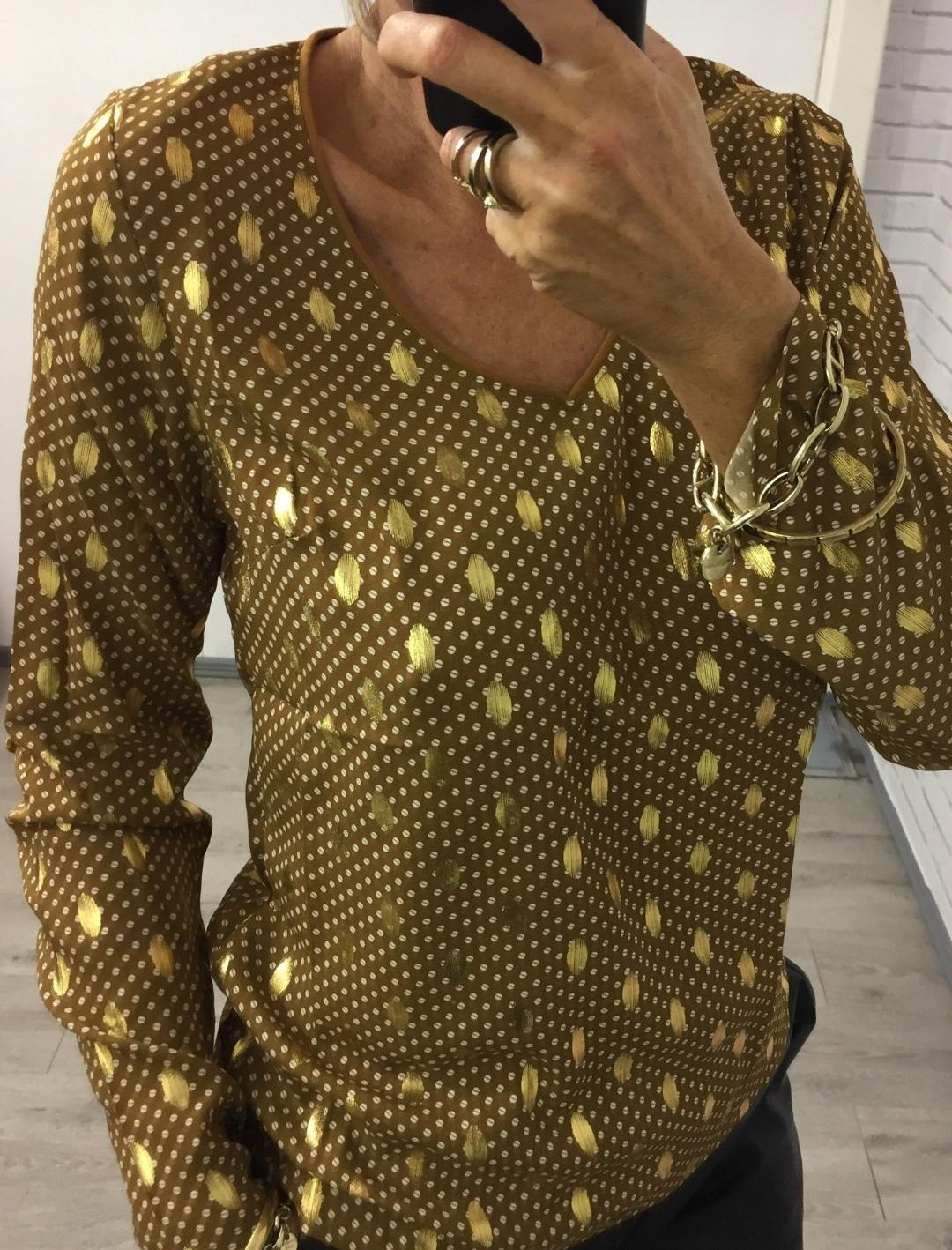 Gold leaf v neck top